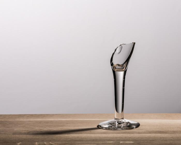 https://pixabay.com/en/glass-broken-shot-reed-sharp-602889/