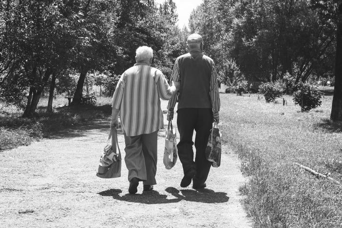 https://pixabay.com/en/old-age-pensioners-elder-life-style-957492/