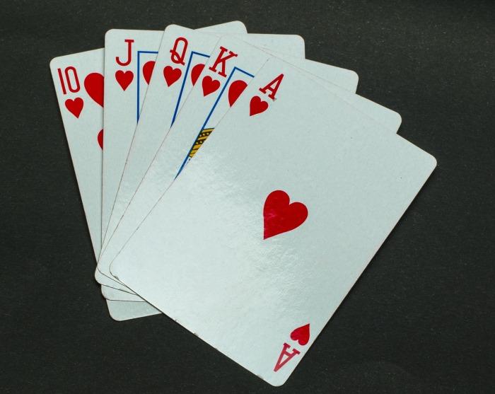 https://pixabay.com/en/poker-cards-casino-gambling-game-682332/