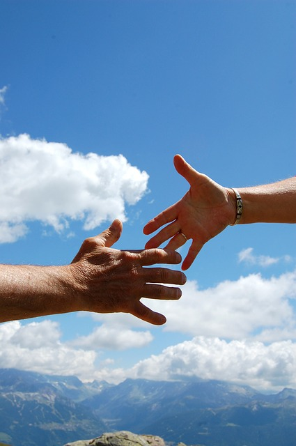 https://pixabay.com/en/solidarity-sky-handshake-man-woman-649713/