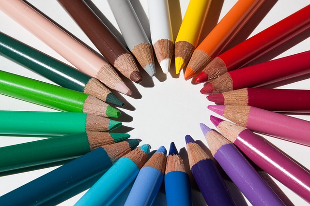 https://pixabay.com/en/colored-pencils-colour-pencils-star-179170/