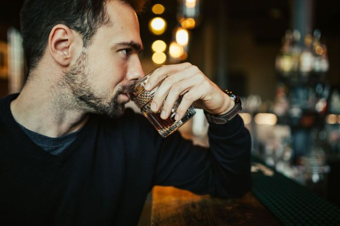 https://kaboompics.com/photo/4429/handsome-young-man-having-a-whiskey-in-a-pub